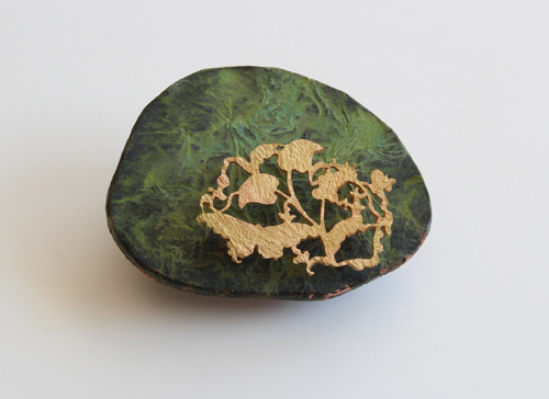MOSS ROOM, brooch, 2012, copper, brass, wood, patina, 70 mm